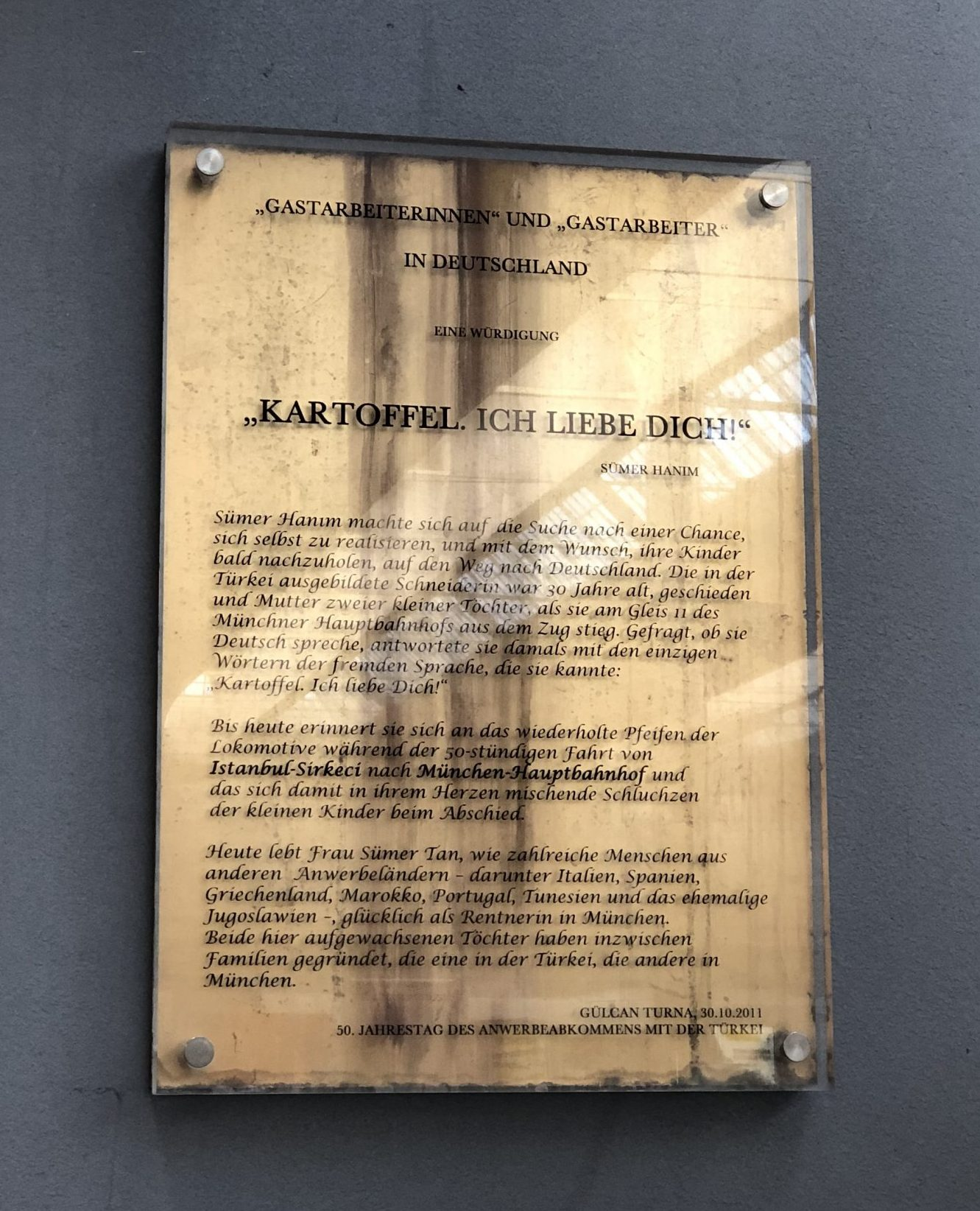 "Memorial plaque ""Anwerbeabkommen"" Central Station Munich"